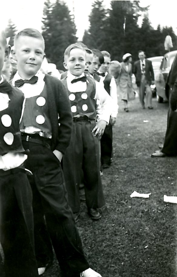 Page Boys at May Day, 1950 (JPG) Opens in new window
