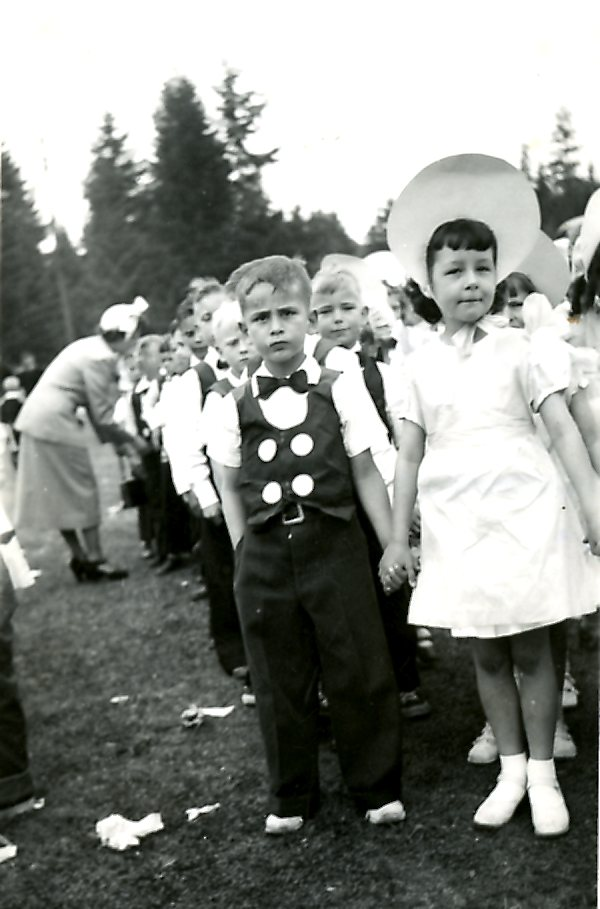 Page Boys and Flower Girls at the May Day Celebrations in 1950 (JPG) Opens in new window